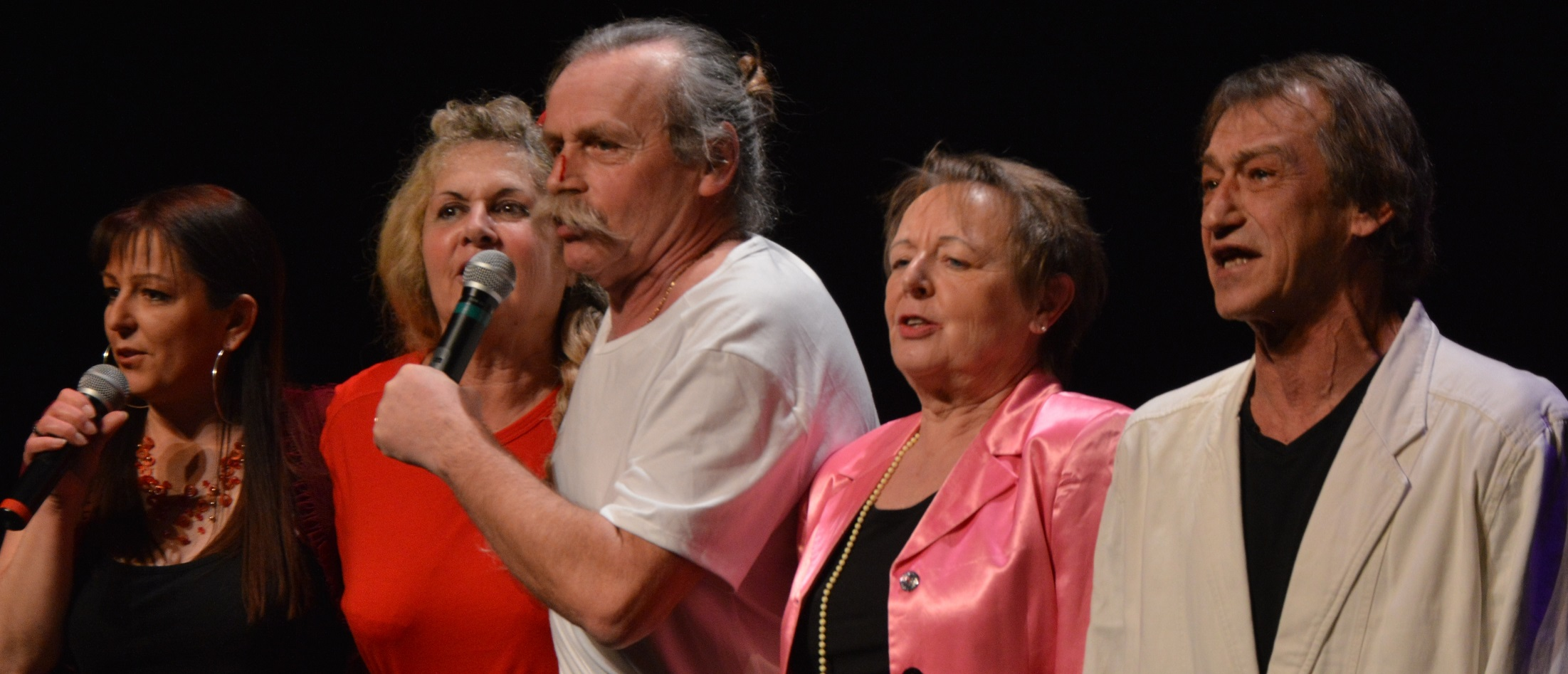 Du grand Hützel's Cabaret avec la CSF